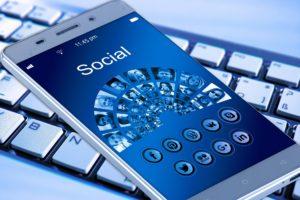 Trends auf sozialen Medien (Memes) können mit dem Urheberrecht kollidieren.